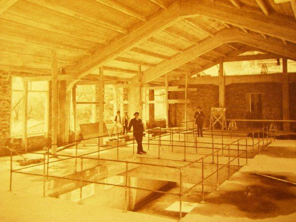 ベルギー製材所建設当時の様子 photo by Medialab Prado