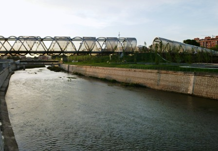 アルガンスエラ橋 photo by Luis García